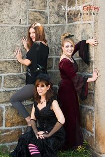 Tres Ladies