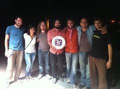 Imagen del grupo Tazzuff, ganador de la VII edición de Folkez Blai con Lorena García concejala de cultura y juventud
