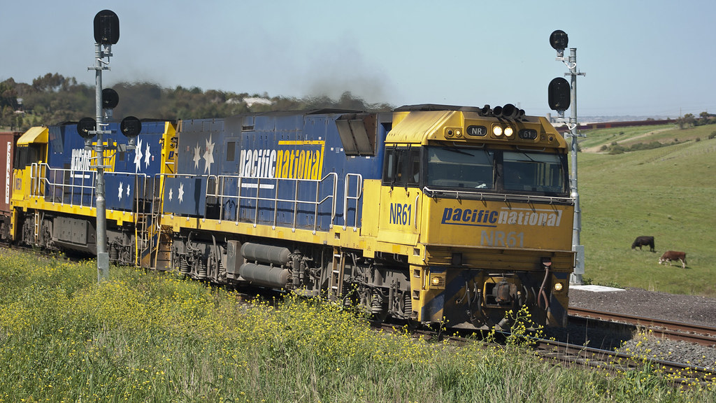 NR61 at Bell Post Hill by michaelgreenhill