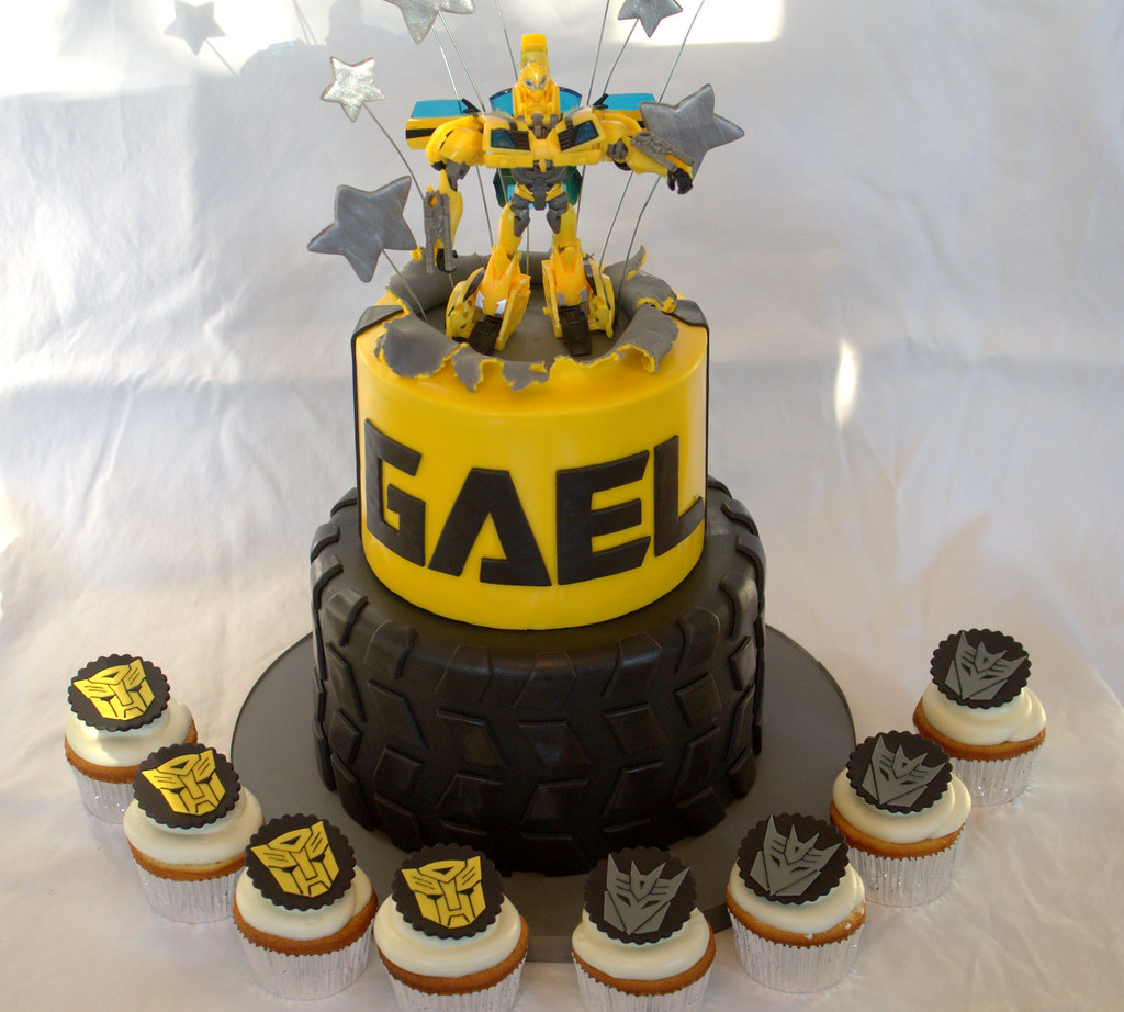 Astonishing Transformer Birthday Cake And Cupcakes Sara Mayes Flickr Funny Birthday Cards Online Elaedamsfinfo
