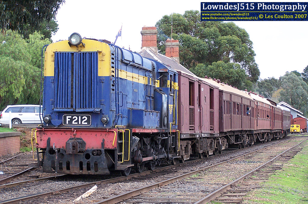 F212 at Maldon by LowndesJ515