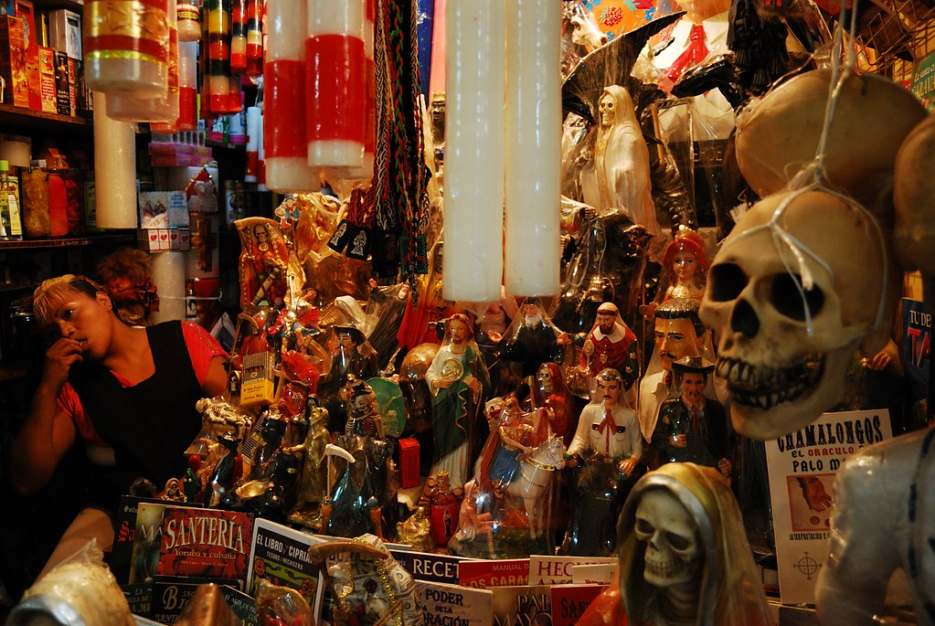 Mexican witchcraft market | Photo by Alexandra Lippman | Flickr