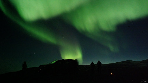 Auroras boreales - Northern lights (Nokia 808 Pureview shot) | by Petaqui