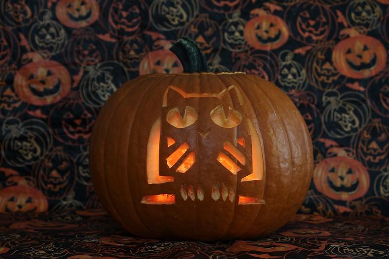 Halloween Carved Pumpkin (Lit)