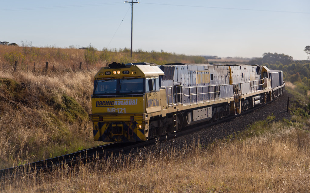 NR121 and NR120 east of Inverleigh by michaelgreenhill