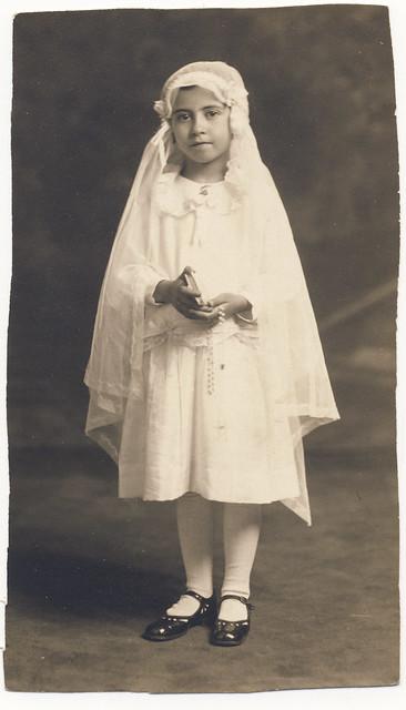 Maria, Communion, 1929