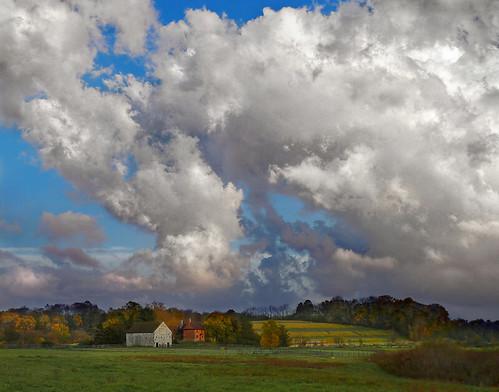 clouds pennsylvania chestercounty brandywineriver brandywinecreek meadowviewfarm abiahtaylor abiahtaylorfarm abiahtaylorbarn abiahtaylorhouse