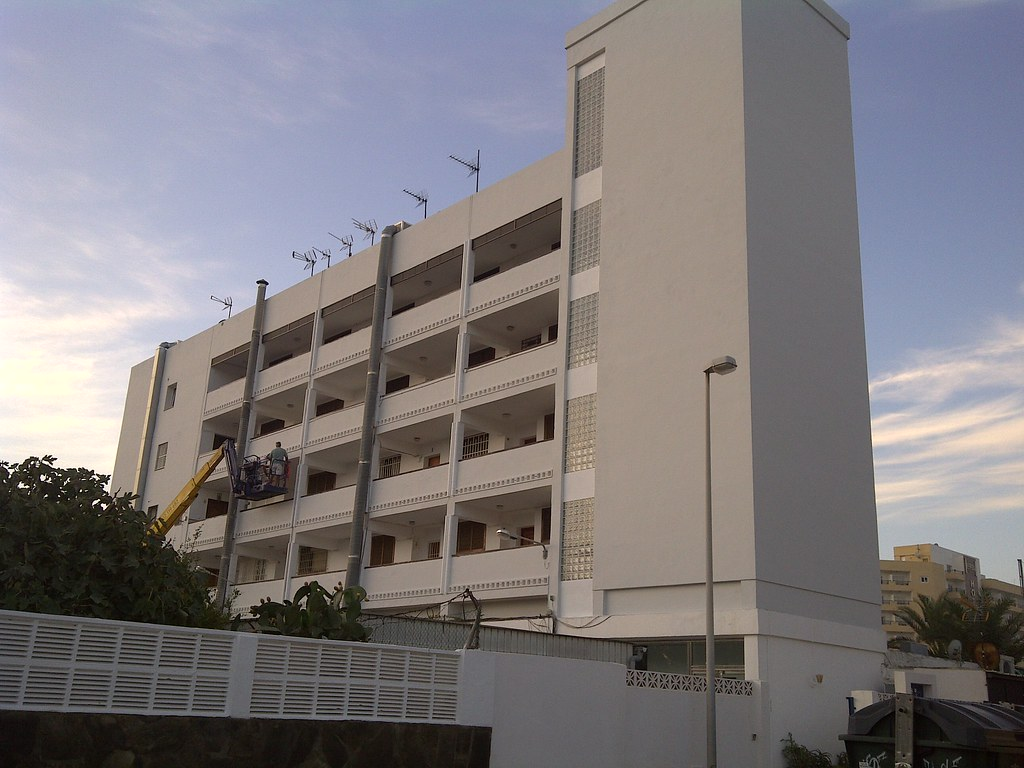Fachada trasera de Edificio Roquemar.