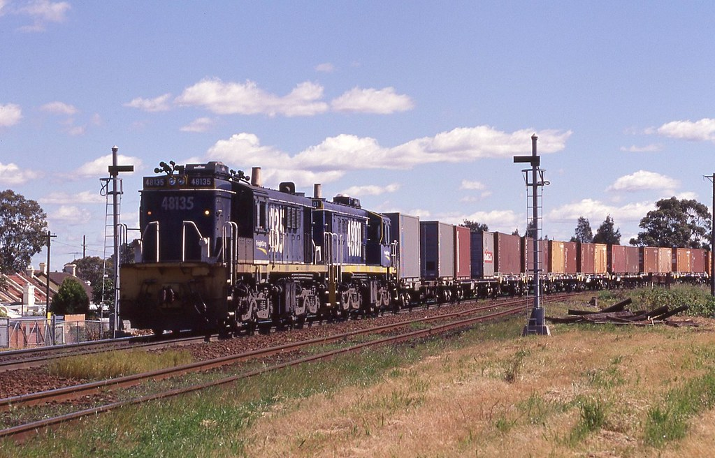 18/09/1999 48135+48101 Dn Trip service @ Cooks River Staff Hut by John  Hammett