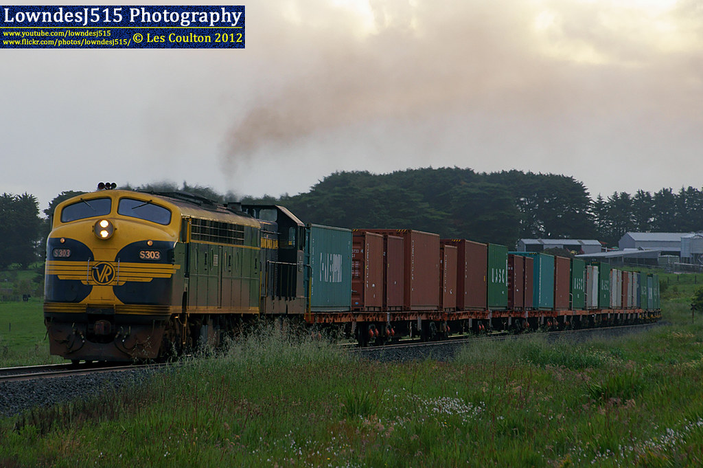 S303 & T357 at Garvoc by LowndesJ515