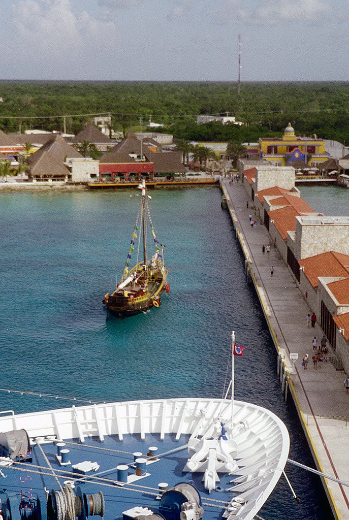 Pirate schooner in Cozumel | On a 2003 Carnival cruise to th… | Flickr