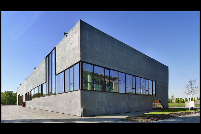BE genk kolenmijn winterslag- media arts and design school c-mine 01 2013 bogdan_v broeck (c-mine)