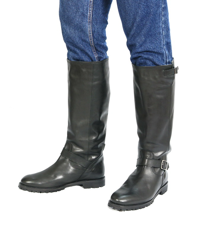 Runnerbull_boots_mod_Road_worn_front