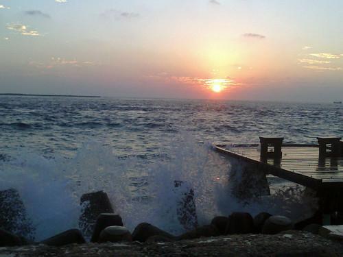 ocean morning sea opportunity sun male beautiful beauty clouds sunrise boat waves horizon indianocean seawall east change splash maldives minute malé goodday inia beautifulshot beautyofnature uniquemaldives simplymaldives connectingmaldives
