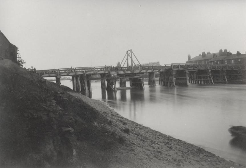 Dutch River bridge, Goole 1882 (archive ref DDX882-18)