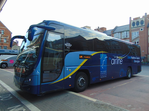 Oxford Bus Company Airline Volvo Plaxton Panther FF61OXF 6 at Oxford Gloucester Green on the LHR to Heathrow, 14/08/2016.