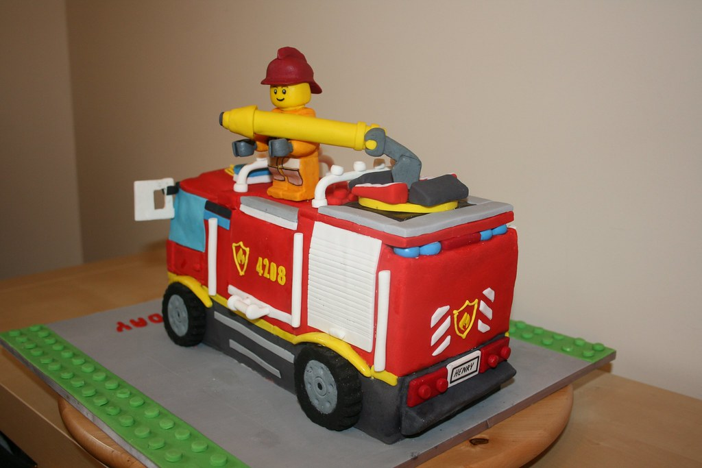 Admirable 4X4 Fire Truck Birthday Cake Ii Another View The Cake Is Flickr Funny Birthday Cards Online Fluifree Goldxyz