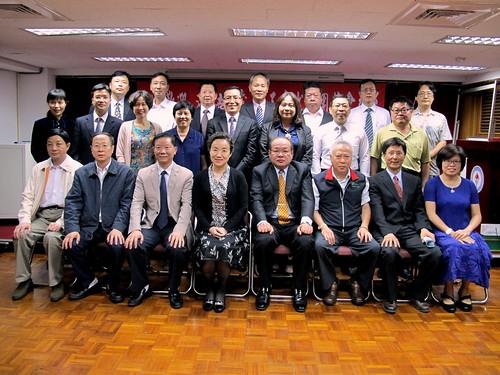 圖01莊理事長與來訪之湖南省總工會幹部合影