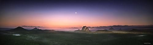 sunshinecoast glasshousemountains sunrise moon wildhorse wildhorselookout panorama mt tibrogargan