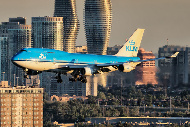 KLM Boeing 747-400 PH-BFK [YYZ]
