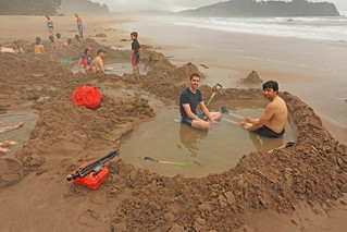 Hot Water Beach, Thames-Coromandel District, Waikato, New Zealand, Paul Aughey, Brian Killingbeck, and others 2 | by Alan Cressler
