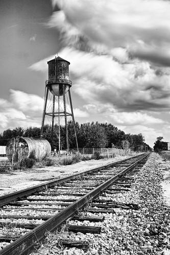 longexposure blackandwhite usa mono florida urbandecay watertower tracks railway leadinglines