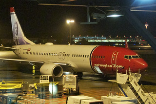 Norwegian Air Shuttle Boeing 737-800; LN-DYE@SXF;04.02.2013/691bp | by Aero Icarus