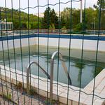 La piscine dans la garrigue
