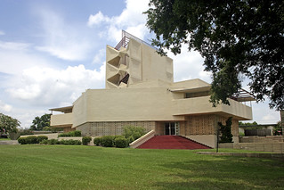 Frank Lloyd Wright Architecture Annie Pfeiffer Chapel | by VisitCentralFL