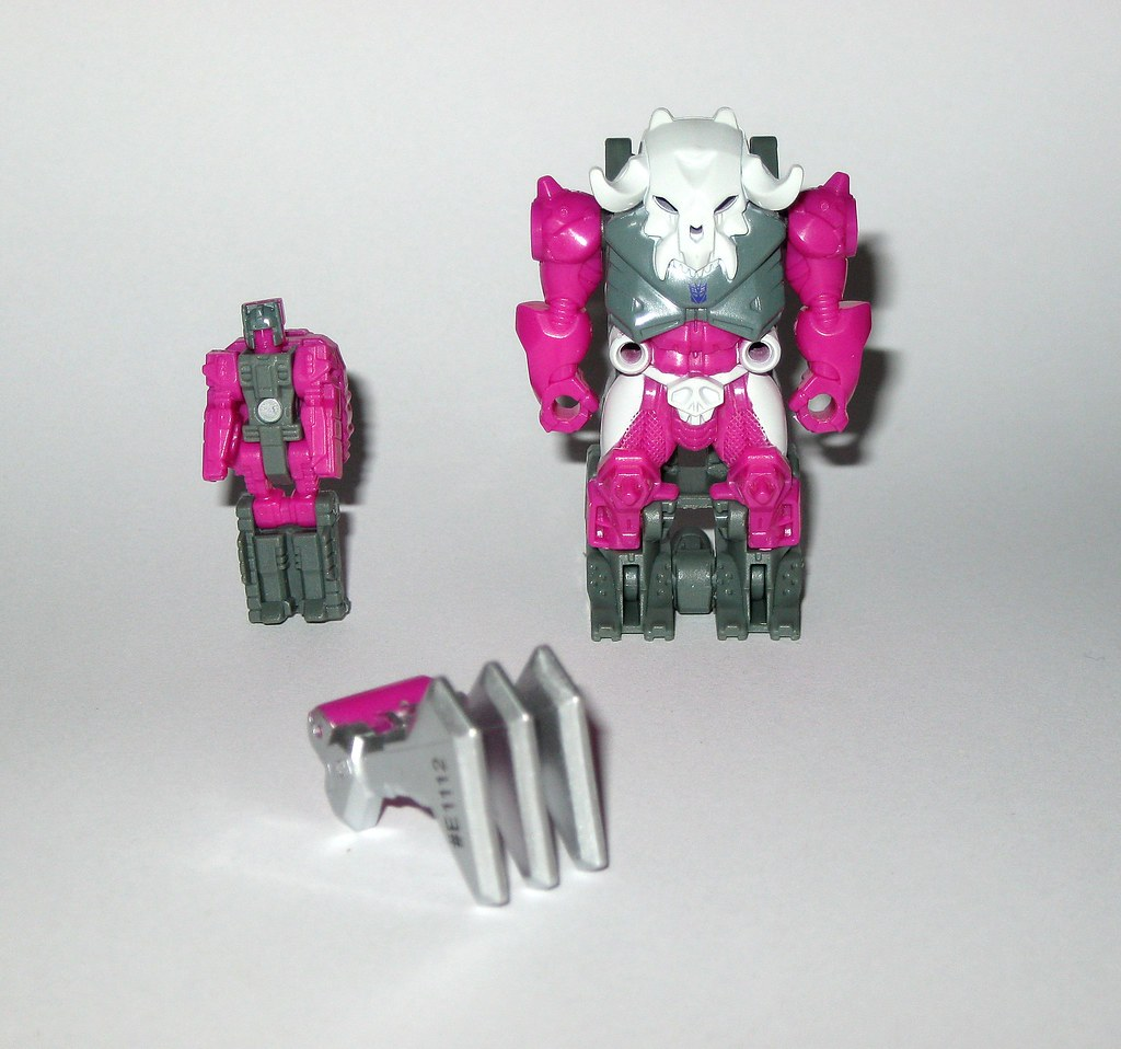 TRANSFORMERS Generations Power of the Primes Prime Master Liege Maximo Skullgrin