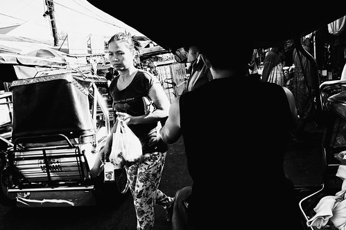 meljoesandiego ricoh grd4 grdiv streetphotography mirror candid monochrome alaminoscity philippines