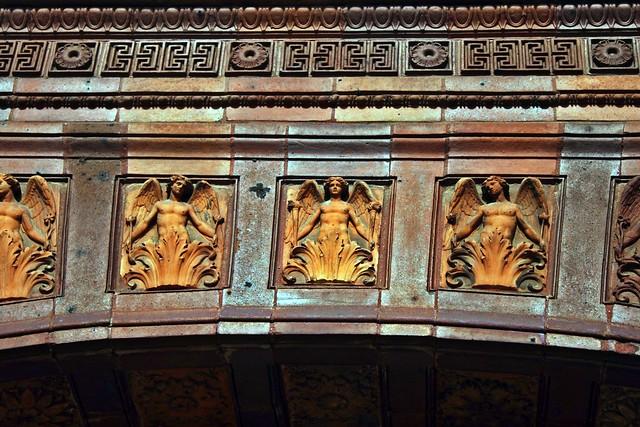 Der Türbogen des Eingangsportals der Schinkelklause