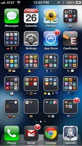 Emoji on iPhone folders. #fb | luiscrz | Flickr