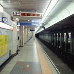 雪の日の東京の地下鉄は、ふしぎなくらい、誰もいなくて妙な気分 です。そして、色々な所で警察の方々が大活躍しているのをみまし た。感謝です♪