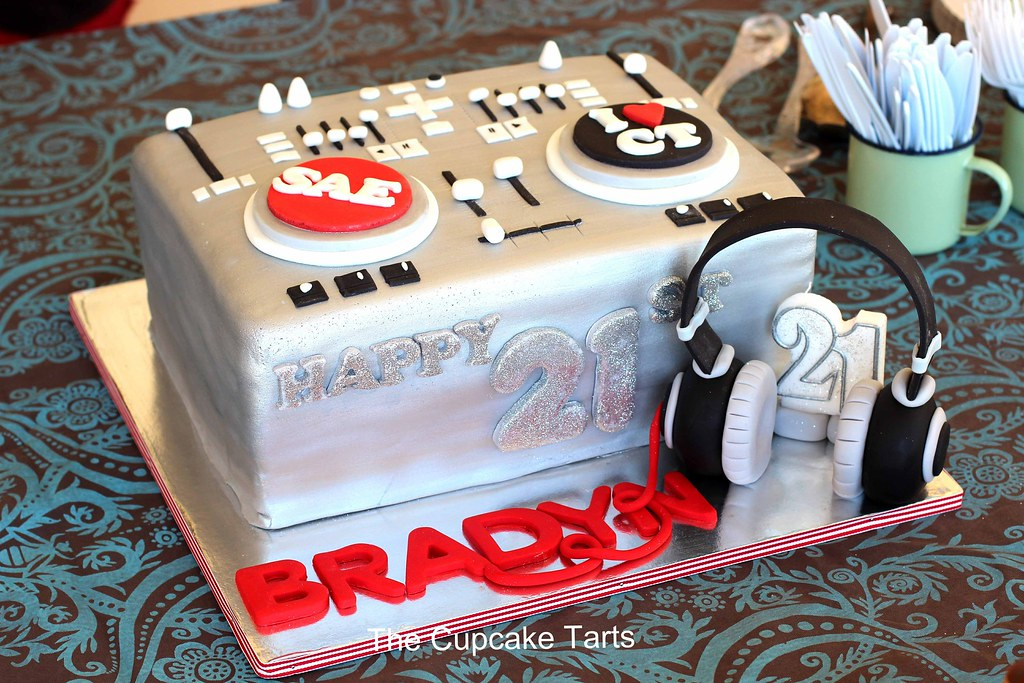 Incredible Dj Turntable My Nephew Bradyn Had His 21St Birthday Party Flickr Birthday Cards Printable Benkemecafe Filternl