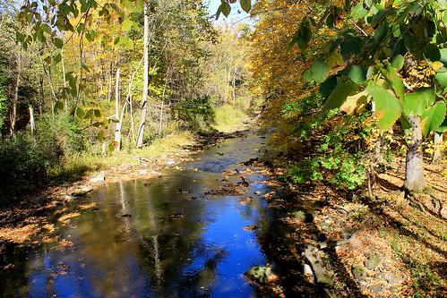 bridge blue autumn stream fallfoliage suspensionbridge millcreek youngstown historicsite millcreekpark mahoningvalley mahoningcounty valleydr millcreekmetropark
