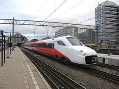 V250 Fyra 4805(Amsterdam Centraal 14-10-2012)
