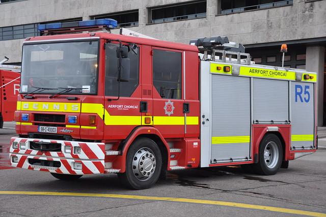 Cork Airport Fire & Rescue Service - Rescue 5 - 1998 Dennis Sabre JDC WrL 98C40003 (Ex Warwickshire R983 PRW)