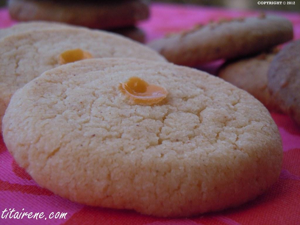 Spanish Christmas Almond Cookies W Lemon Recipe Cooking Flickr