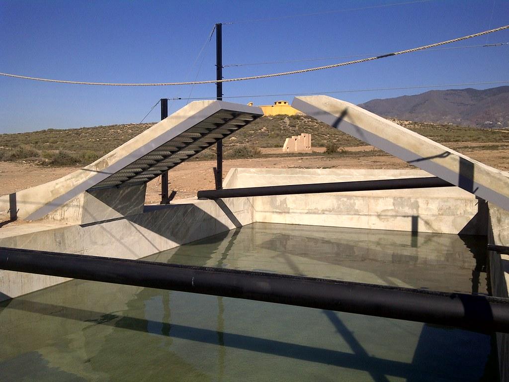 piscina pista de combate.