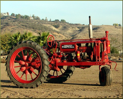 ranch tractor field sunrise landscape farm farmall redlandsca liveoakcanyon dgrahamphoto