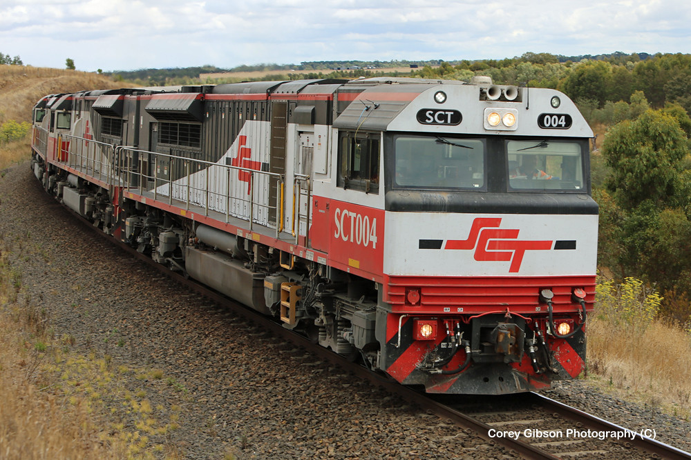 SCT004, SCT015, SCT005 & CSR003 with the Perth to Melbourne Freight by Corey Gibson