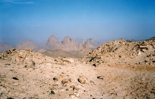 Sahel instability hurts Algeria desert tourism | انعدام الاستقرار في منطقة الساحل تضر بالسياحة الصحراوية في الجزائر | L'instabilité au Sahel affecte le tourisme du désert en l'Algérie | by Magharebia