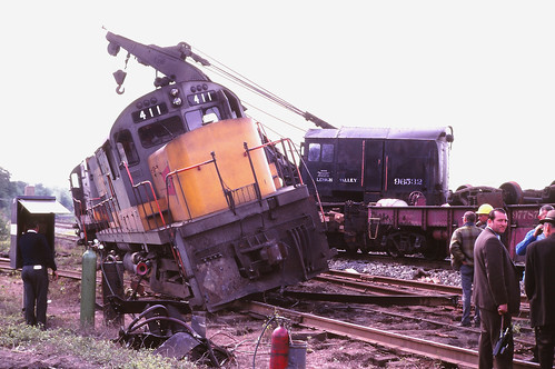 railroad train railway locomotive lv trainwreck derailment southplainfield fallenflags lehighvalleyrailroad alcoc420