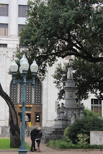 monument streetlight louisiana courthouse shreveport