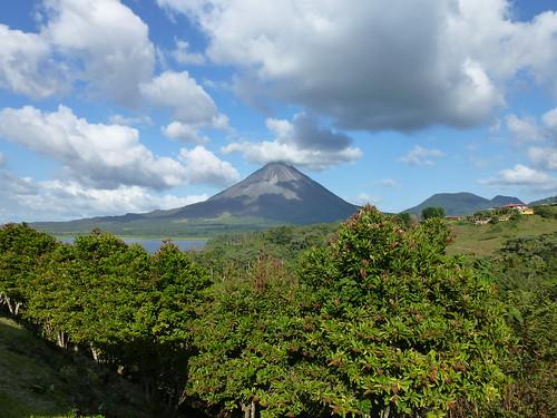 Arenal vulkaan vanaf hotel in EL Castillo
