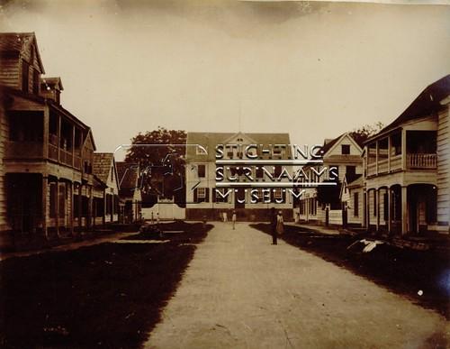 De Surinaamse Bank | by Stichting Surinaams Museum