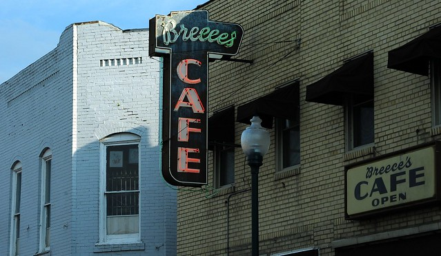 Breece's Cafe