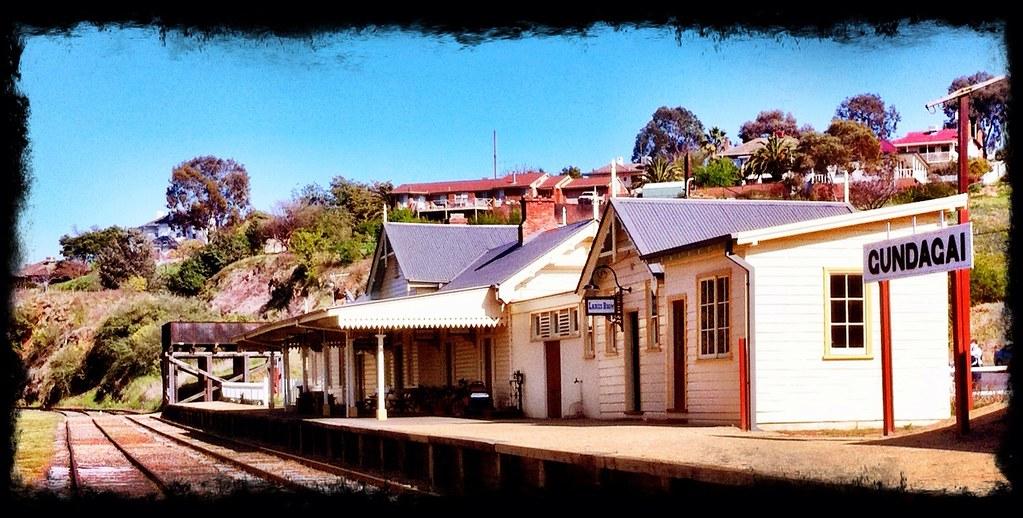 Gundagai Station by Cutto