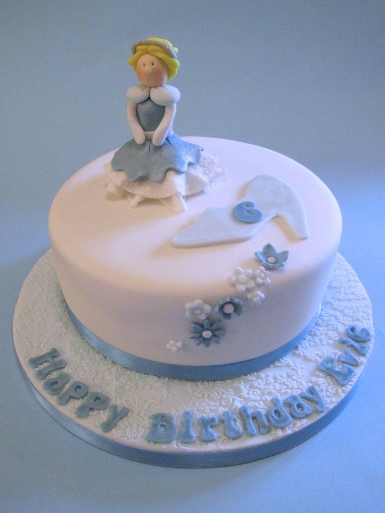 Pleasant Cinderella Cake A Cinderella Themed Birthday Cake For A Li Flickr Personalised Birthday Cards Petedlily Jamesorg